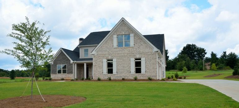 Movers Wayne PA: A suburban home