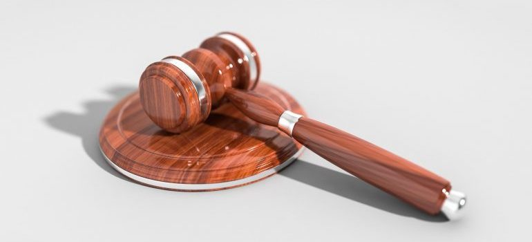 A picture of a gavel.