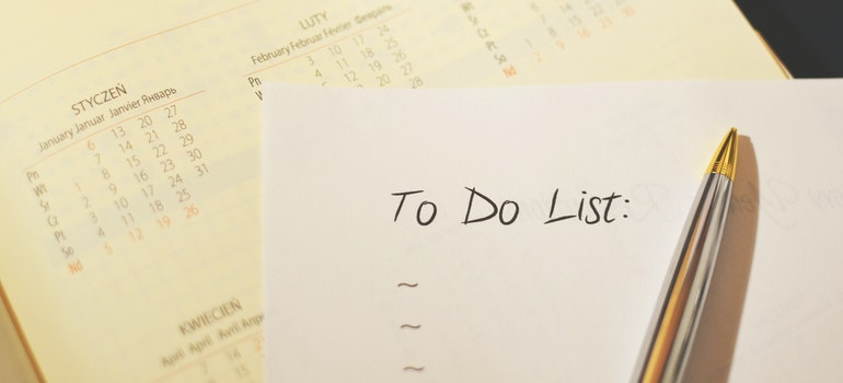 To do list and pen you will need when making a timeline for a relocation.