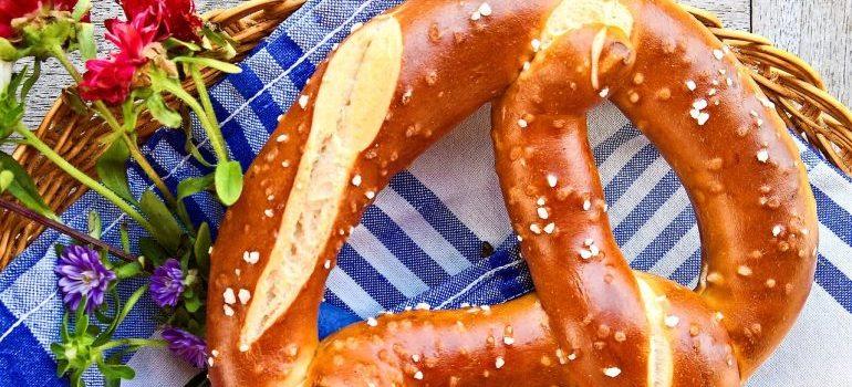 a delicious looking pretzel