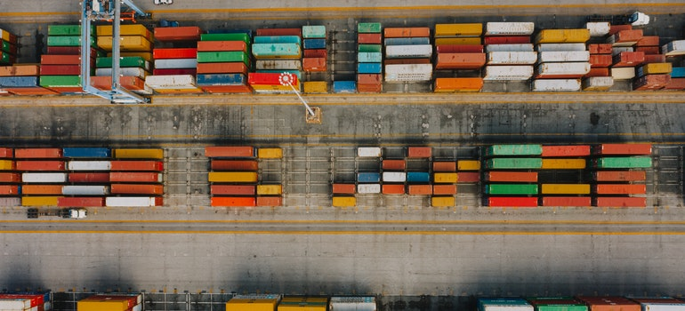 Many different cargo containers
