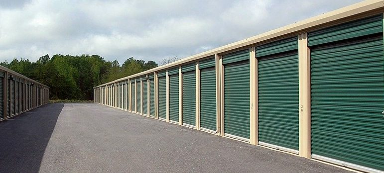 Storage unit is the place where you can store your items after summer is over